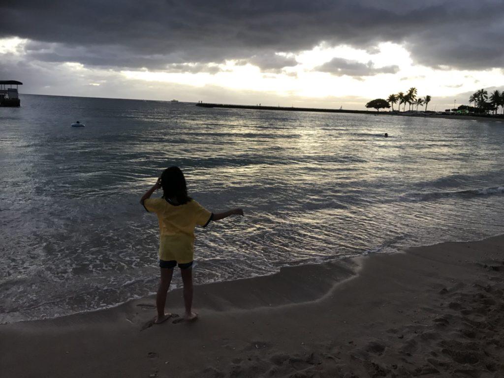 冬ハワイ夕方服装